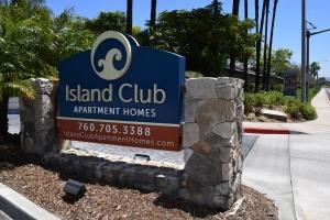 IslandClub-Monument-Cabinet